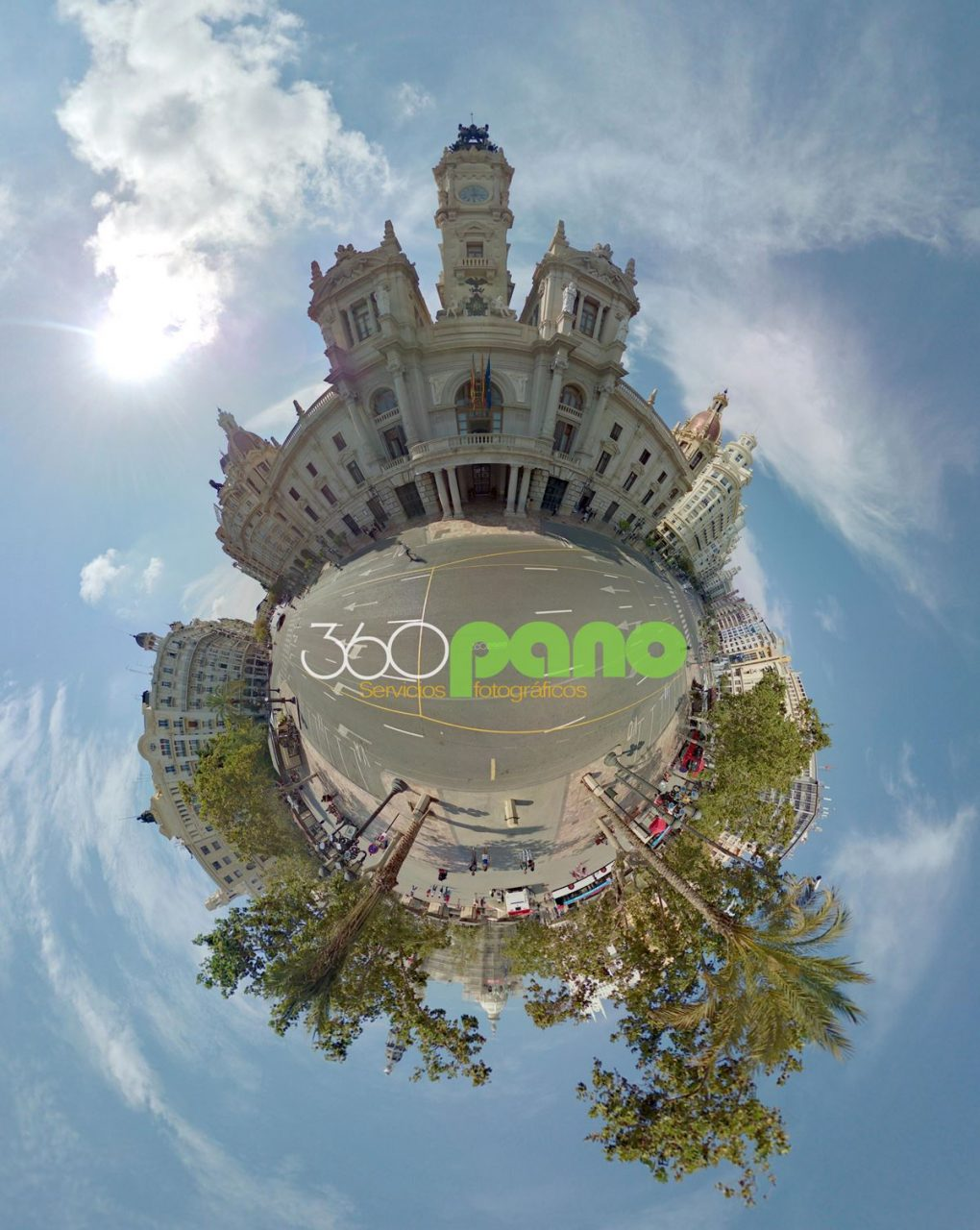 little-planet-plaza-ayuntamiento-valencia